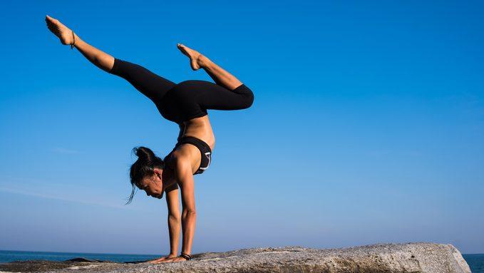 balance-fitness-girl-317155.jpg